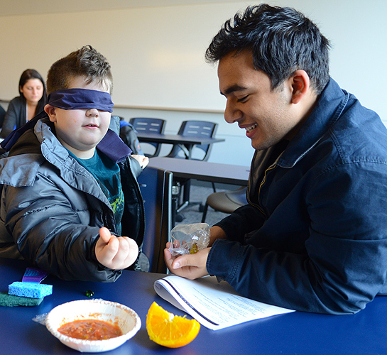 The program encouraged children to be creative and explore things. (Ariel Dowski '14 (CLAS)/UConn Photo)