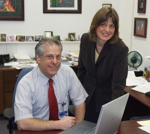 <p>Dr. Scott Wetstone and Wendy Soneson discuss the new online health education program. Photo by Carolyn Pennington </p>