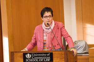 <p>Dorothy Q. Thomas delivers the Sackler Human Rights Lecture at the Law School on Oct. 22. Photo by Spencer Sloan</p>