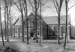 <p>A view of the exterior of the Dining Hall, popularly known as The Beanery, in the spring of 1921. Provided by Diane Lewis-Benton Museum</p>