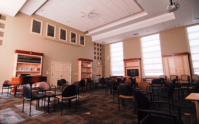 <p>Hillel interior, after the renovations. Photo by Lauren Cunningham</p>