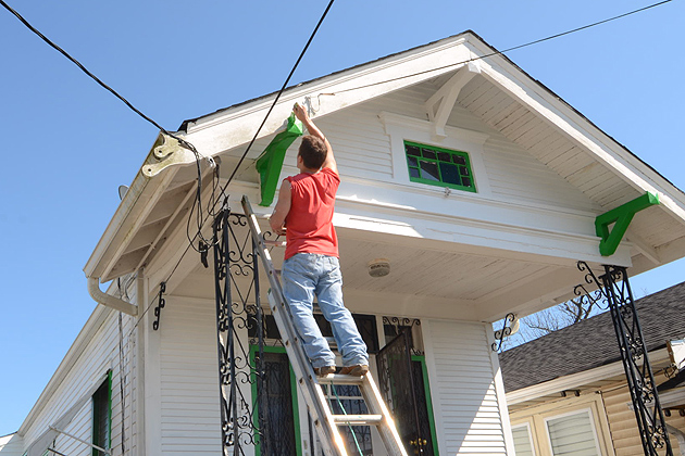 Approximately 50 UConn undergraduates worked in the Upper Ninth Ward in New Orleans during their alternative spring break.. (Bret Eckhardt/UConn Photo)