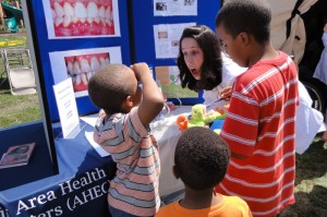 2013_08_17_naacp_healthfair03