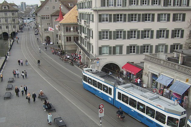 Limmat Quai: A pedestrian-, bike-, and tram-friendly street in Zurich, Switzerland. (Photo courtesy of Norman Garrick)