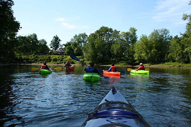 As part of their core honors course American Landscapes: The Connecticut River Valley, students kayaked on the Connecticut River. (Photo courtesy of Walter Woodward)