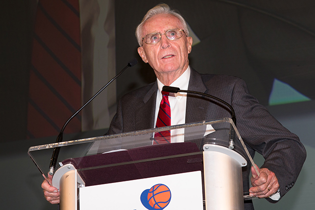 Dee Rowe, former head coach of men's basketball and now special adviser to Athletics, speaks at the tribute to former head coach Jim Calhoun. (Stephen Slade '89 (SFA) for UConn)