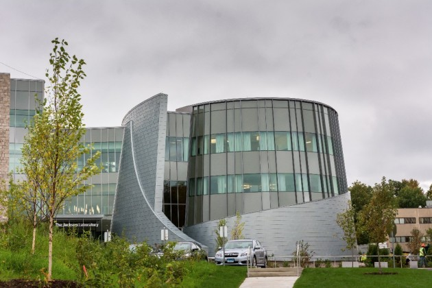 An exterior view of the Jackson Laboratory for Genomic Medicine at the UConn Health campus. (Derek Hayn/Centerbrook Architects)