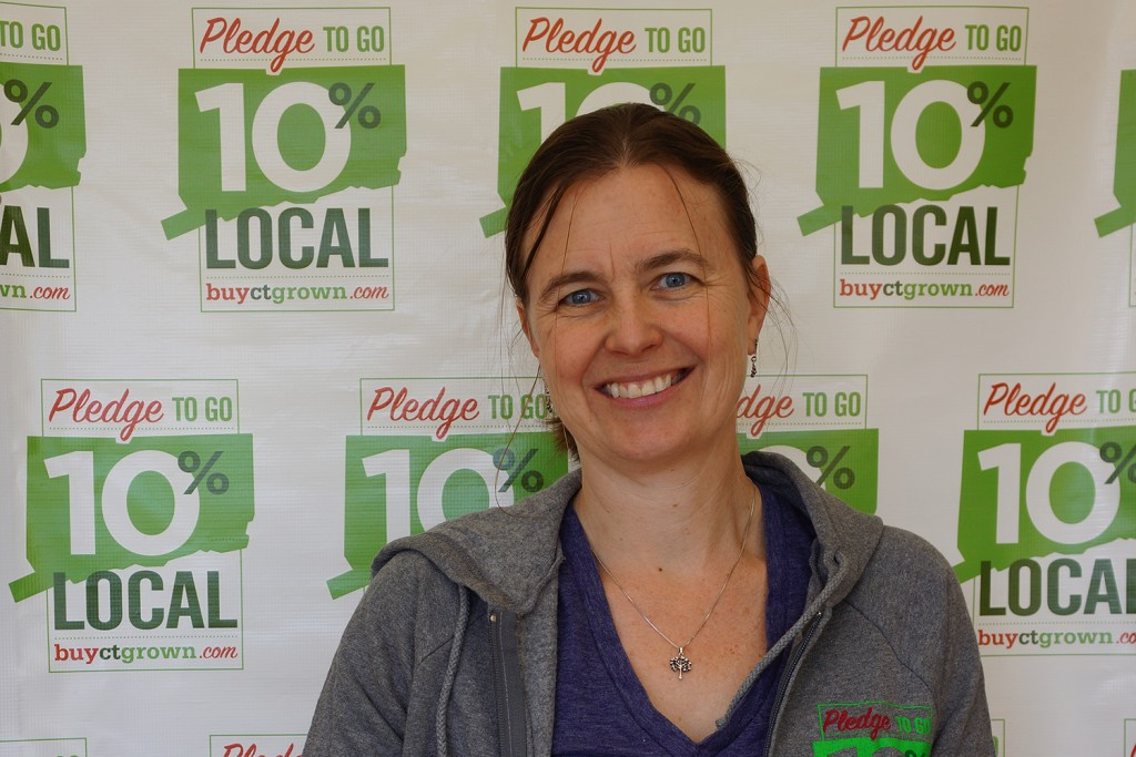 Jiff Martin, an Extension team coordinator for the Pledge to go 10% Local campaign, supports local farms.