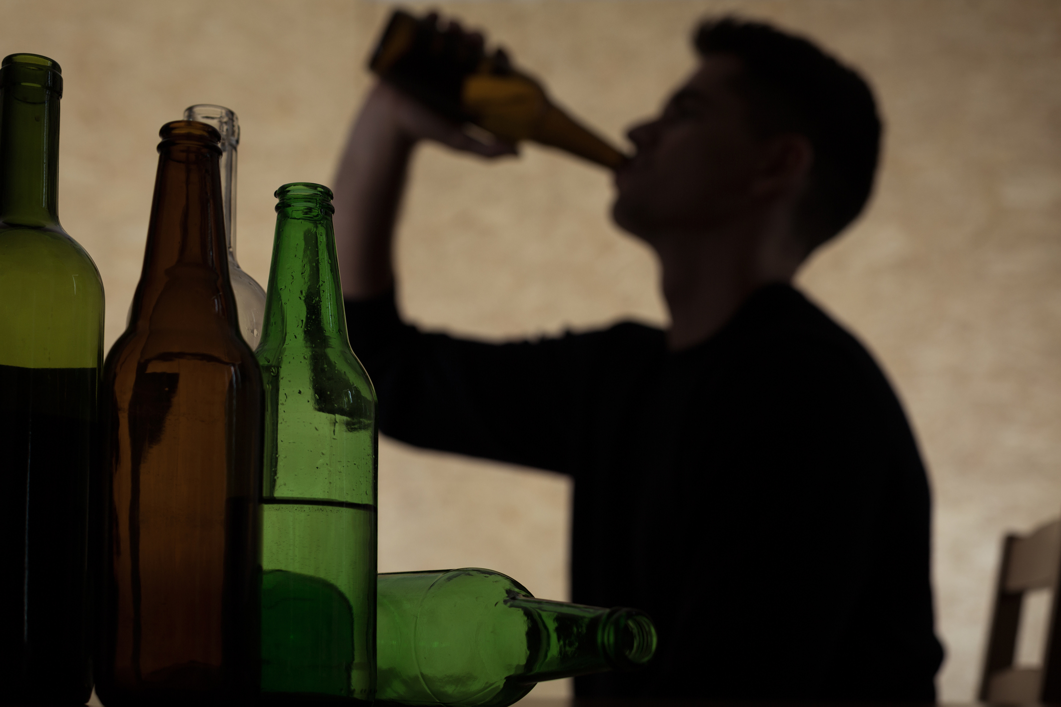 UConn Health researcher Thomas Babor led a global review of youth exposure to alcohol advertising that concludes with a recommendation for statutory controls. (KatarzynaBialasiewicz/Getty Images)