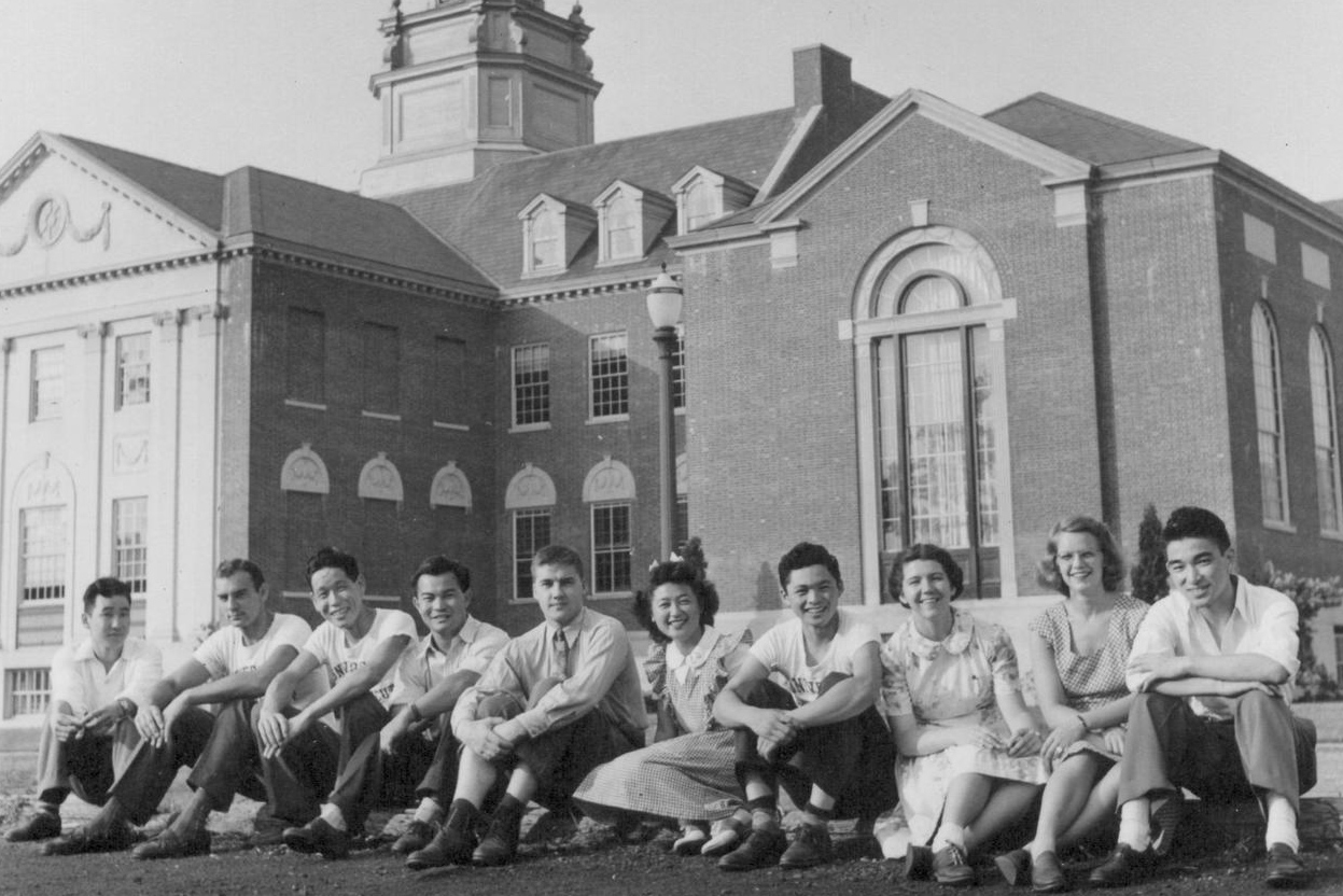 A group portrait including six Japanese American students at the University of Connecticut in August 1944. (Photo by Hikaru Iwasaki, courtesy of the Bancroft Library at the University of California-Berkeley)
