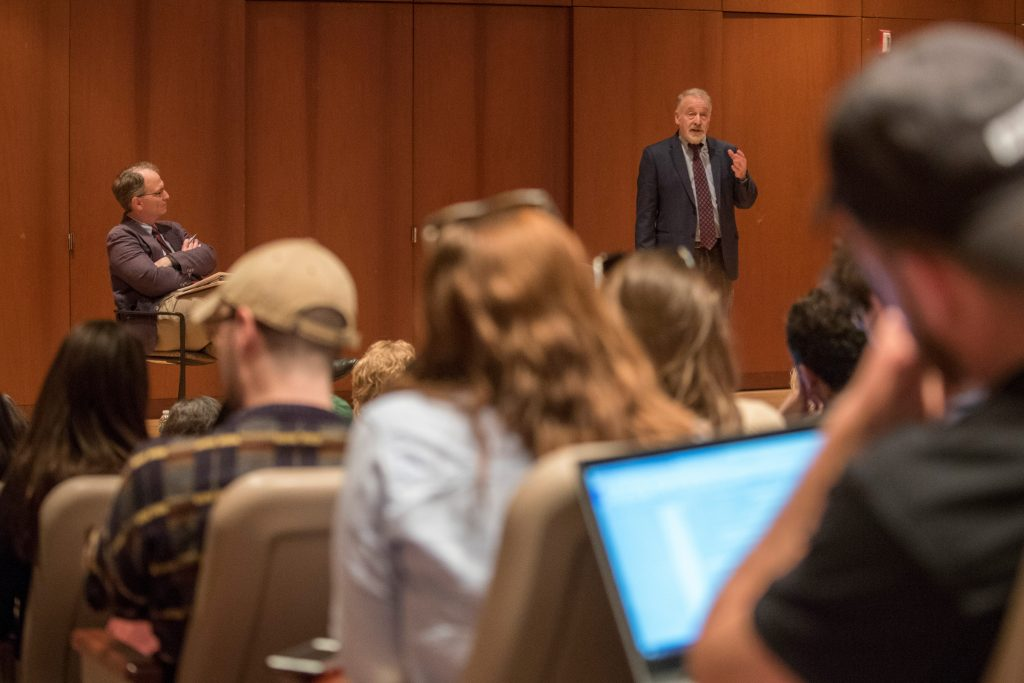 Washington Post investigative journalist Tom Hamburger addresses Mike Stanton's newswriting class. (Sean Flynn/UConn Photo)