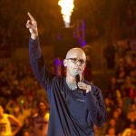 Men's Basketball head coach Dan Hurley addressse the fans on his first First Night at UConn. (Stephen Slade '89 (SFA) for UConn)