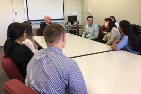 Rep. Joe Courtney meets with UConn dental students