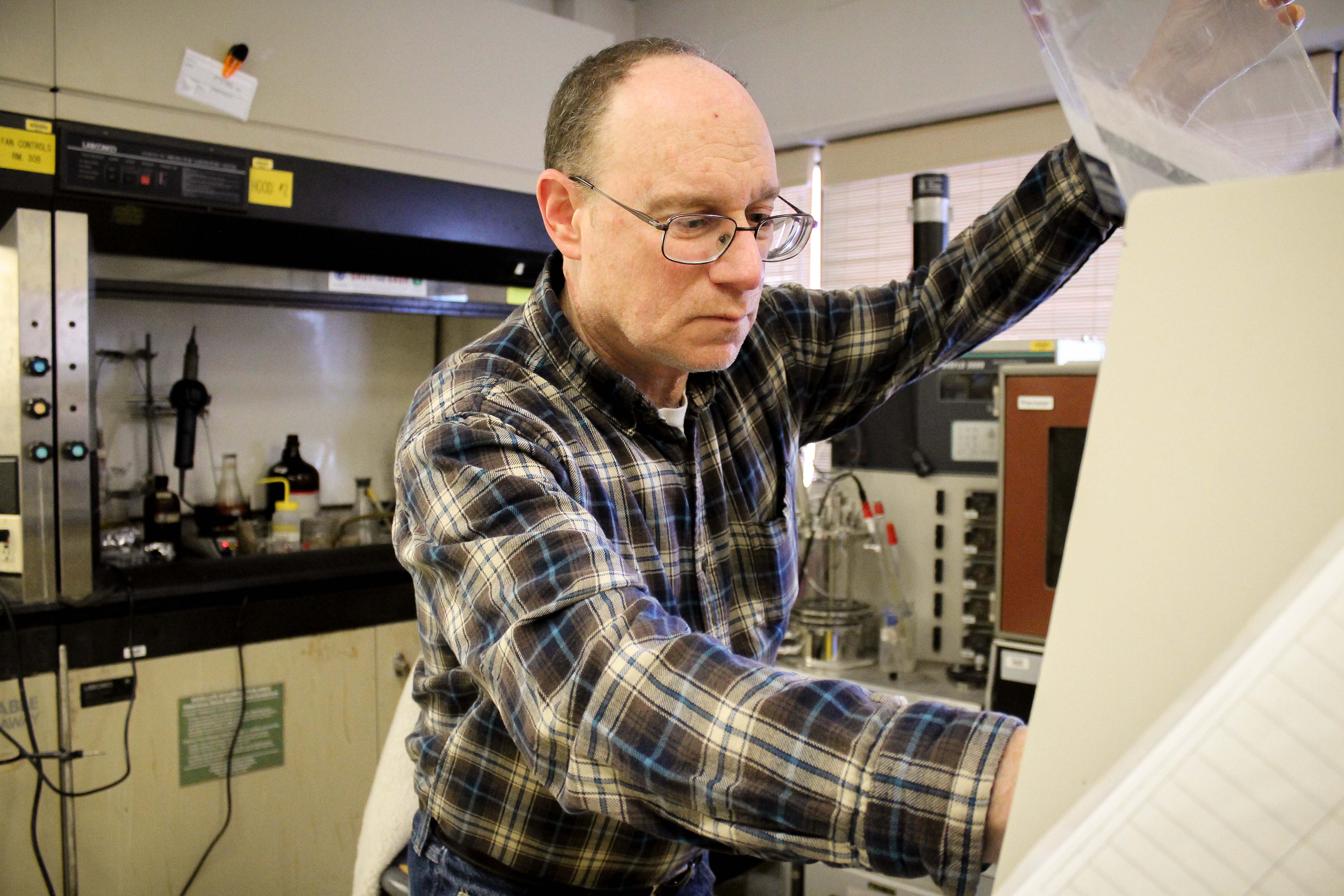 Richard Parnas, professor of Chemical & Biomolecular Engineering in his lab. (Carson Stifel/UConn Photo)