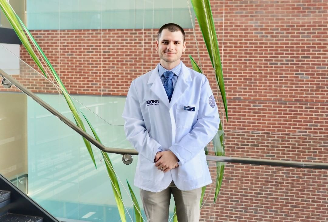 Robert Mownn '21 (Pharm. D.) is the recipient of the 2019 Karl a. Nieforth Pharmacy Student Research Award.