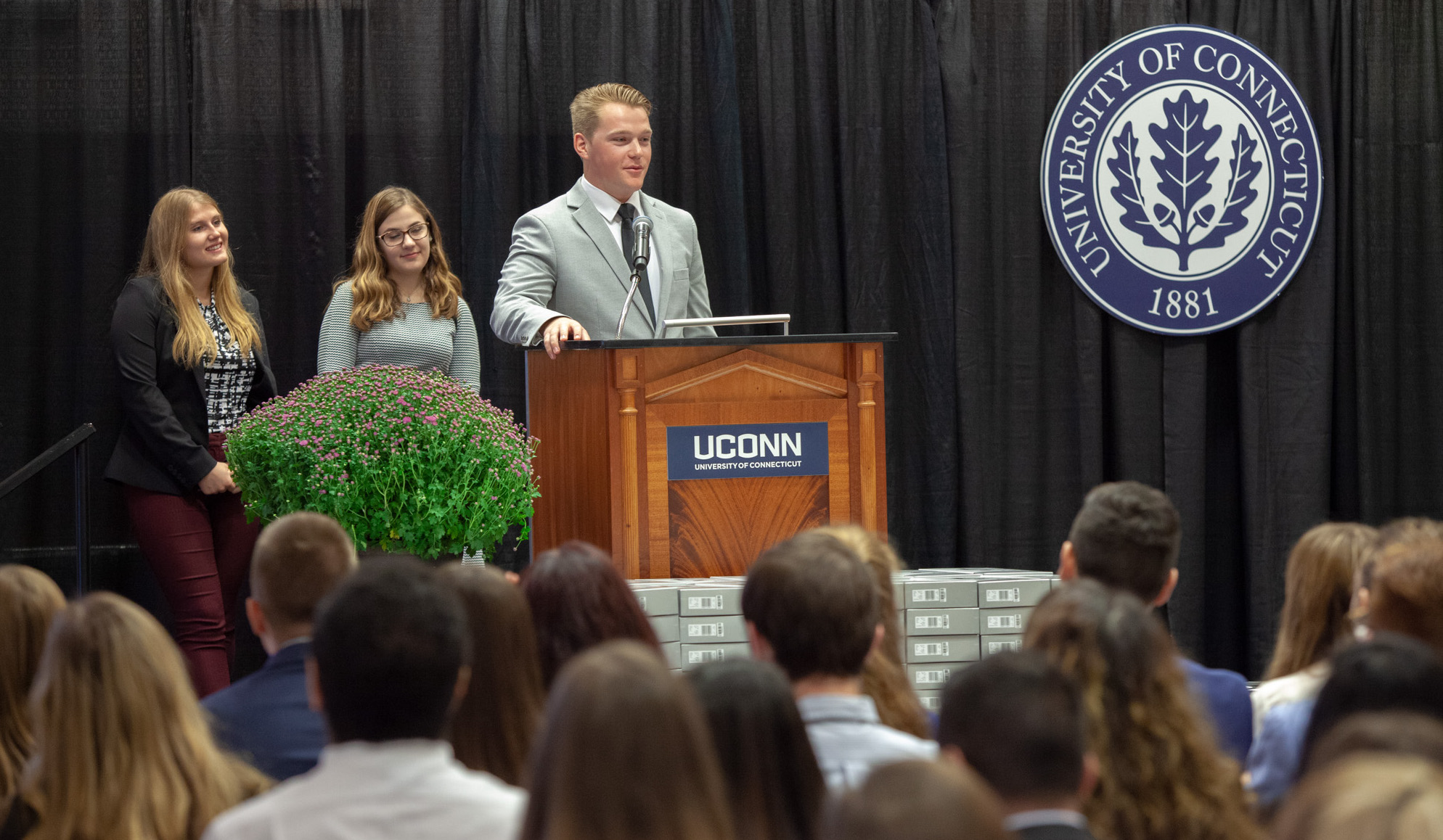 Roy Walton speaks during the UConn School of Pharmacy Professionalism Ceremony