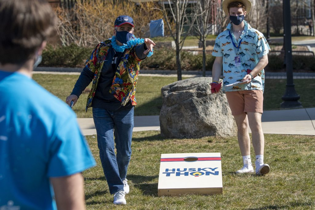 President, Thomas Katsouleas  playing a game with students at HuskyTHON 2021 on  March 20, 2021. (Sean Flynn/UConn Photo)