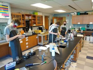 studnts in a lab