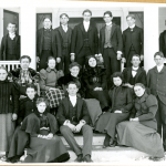 Students in front of Grove Cottage, the first women's residence hall, in 1908 (Department of Archives & Special Collections/UConn Library).