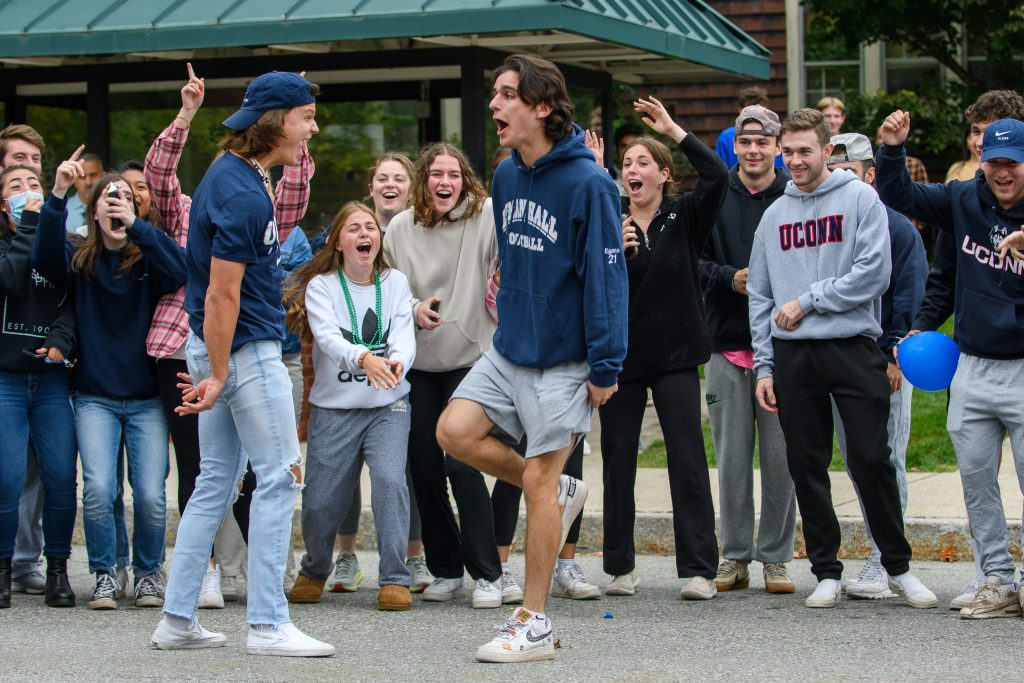 Students participate in the Homecoming Parade during Family Weekend on Oct. 10, 2021.